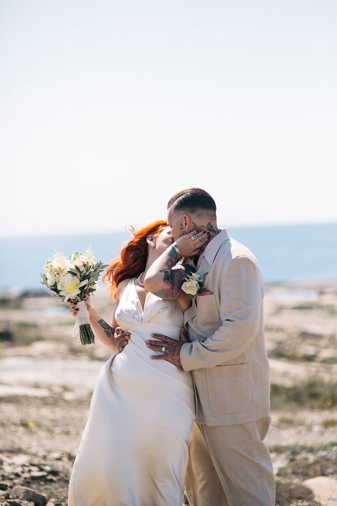bröllopsporträtt havet