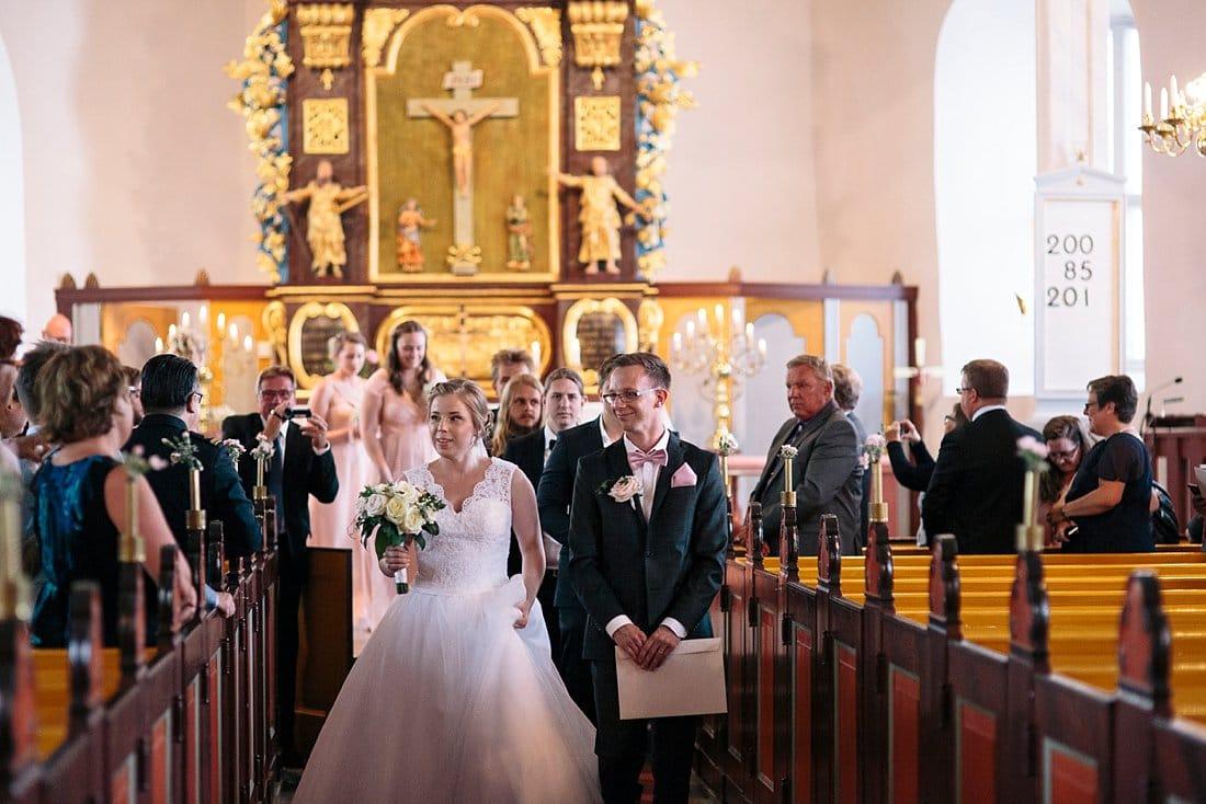 bröllop västra tunhems kyrka