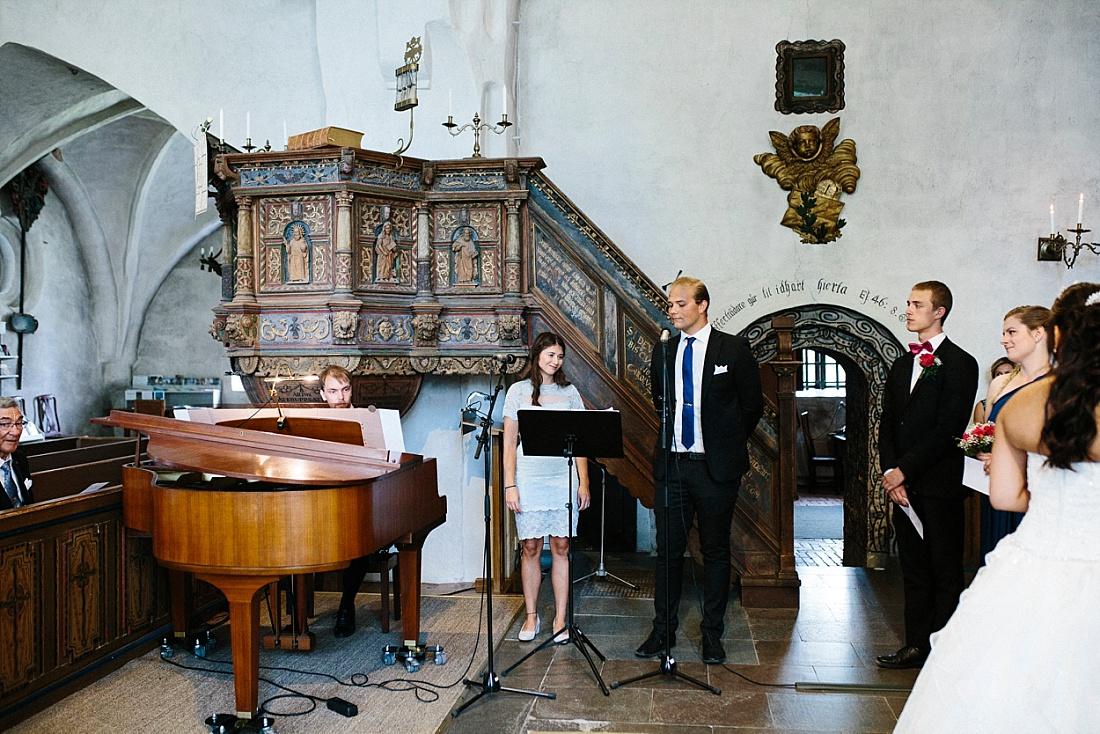 Vigsel Torsångs kyrka